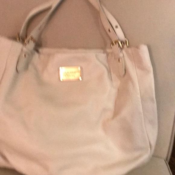 Marc Jacobs Handbags - Marc Jacobs bag